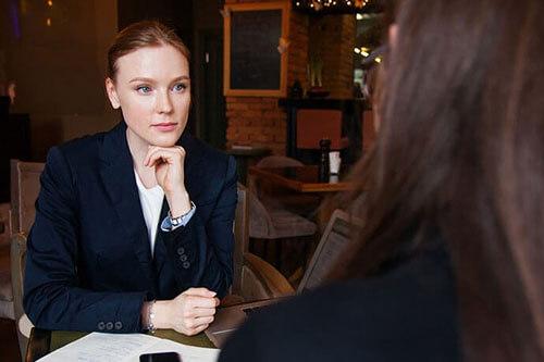 My-Jopportunity-Gehaltsverhandlungen-die-wichtigsten-Tipps-Frau-im-Bewerbungsgespräch
