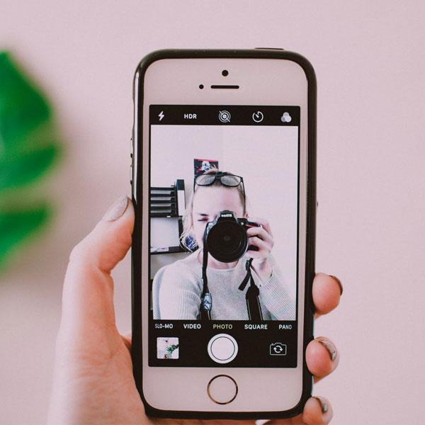 My-Jopportunity - Selfie mit Spiegelreflexkamera am Handy